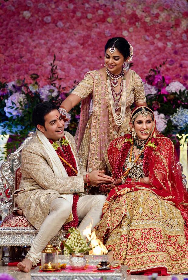 Con dâu tỷ phú giàu nhất châu Á: Gia thế không tầm thường, nên duyên từ năm 4 tuổi và mẹ chồng cưng chiều với quà cưới 1.000 tỷ đồng-3