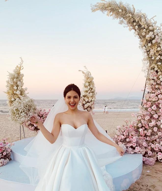 Nghệ sĩ Việt dự lễ cưới trên bờ biển của Phanh Lee-2