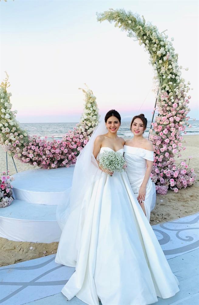 Nghệ sĩ Việt dự lễ cưới trên bờ biển của Phanh Lee-4