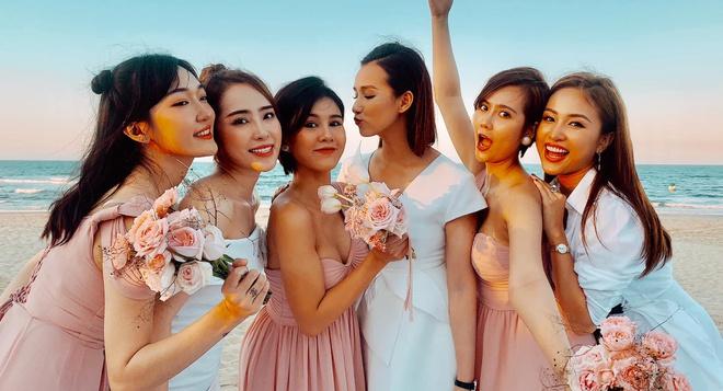 Nghệ sĩ Việt dự lễ cưới trên bờ biển của Phanh Lee-5