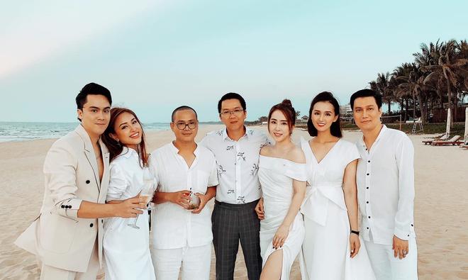 Nghệ sĩ Việt dự lễ cưới trên bờ biển của Phanh Lee-7