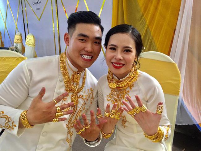 Cặp đôi được trao hồi môn 2,5 tỷ cùng 49 cây vàng trong đám cưới giờ có cuộc sống ra sao?-1