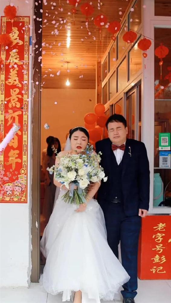Thuê nhầm tình cũ chụp ảnh cưới, cặp dâu rể hết hồn xem lại dung nhan-1