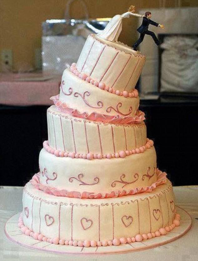 Thảm họa bánh cưới khiến cô dâu chú rể chán chả muốn về chung nhà-5