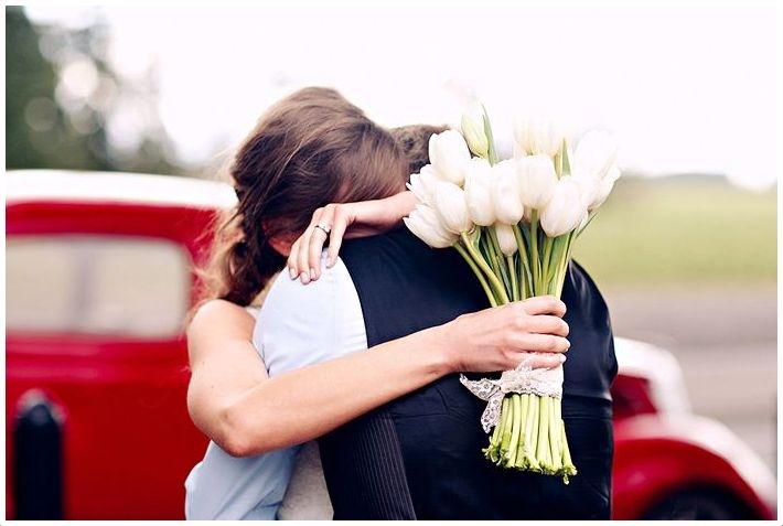 Mặc váy cô dâu hụt 2 lần vì dịch, lần thứ 3 định cưới thì... ly hôn-1