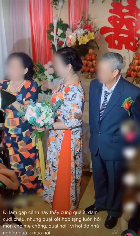 Màn trao vàng có 1-0-2 trong đám cưới khiến quan khách vỗ tay rần rần-1