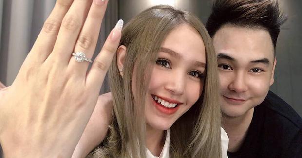 Hé lộ thân thế cô dâu kém 13 tuổi của streamer giàu nhất Việt Nam-7