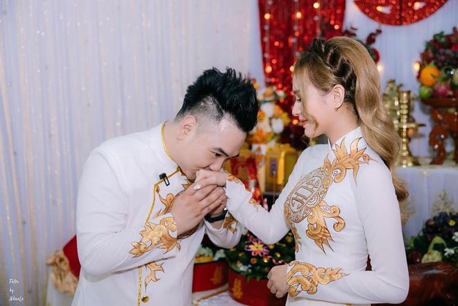 Hé lộ thân thế cô dâu kém 13 tuổi của streamer giàu nhất Việt Nam-8