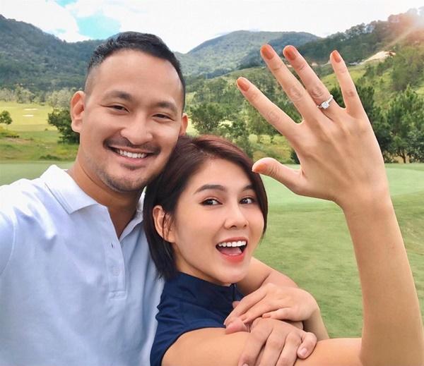 Clip: MC Thu Hoài quẩy banh nóc trong đám cưới với ông xã doanh nhân-3
