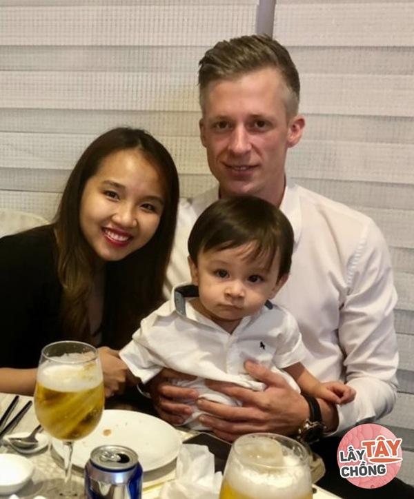 Lên mạng thả thính, cô gái Việt câu được chồng Đức, ngày cưới thông gia ôm nhau khóc-8