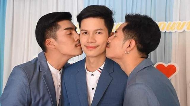 Chuyện tình chung giường của 3 chàng trai đồng tính gây bão mạng-1