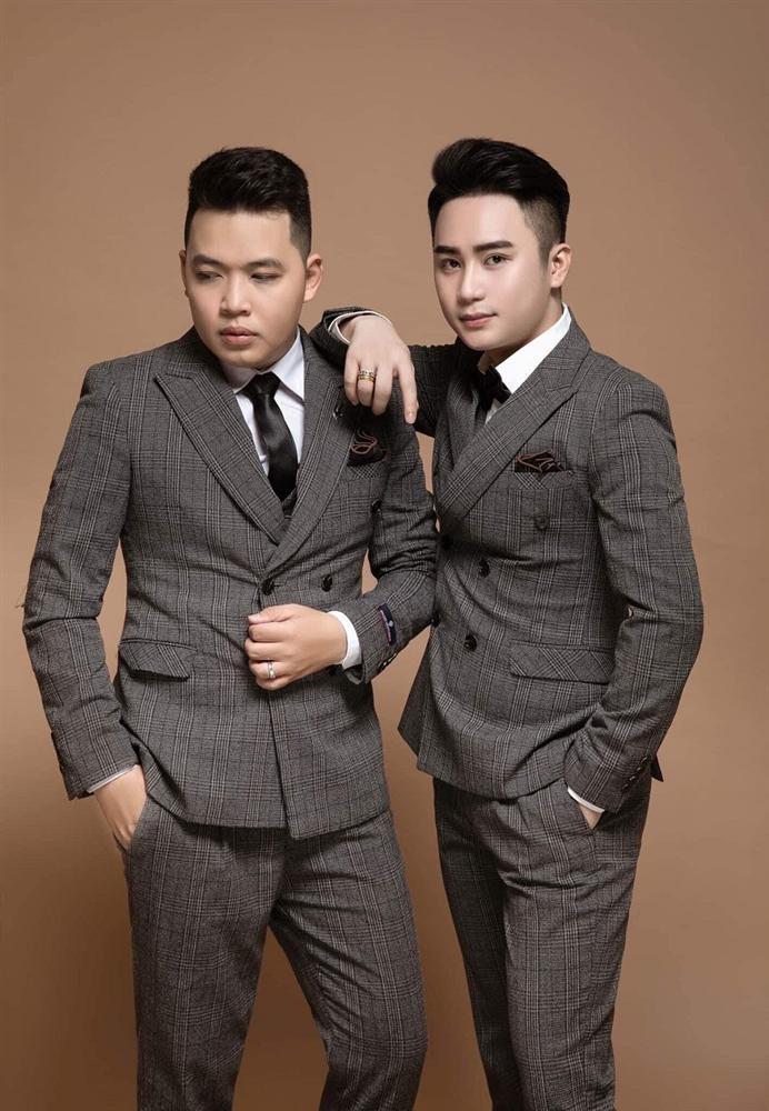 Cặp đồng tính nam ở Tây Ninh tổ chức đám cưới, ngoại hình đẹp như soái ca gây xôn xao-2
