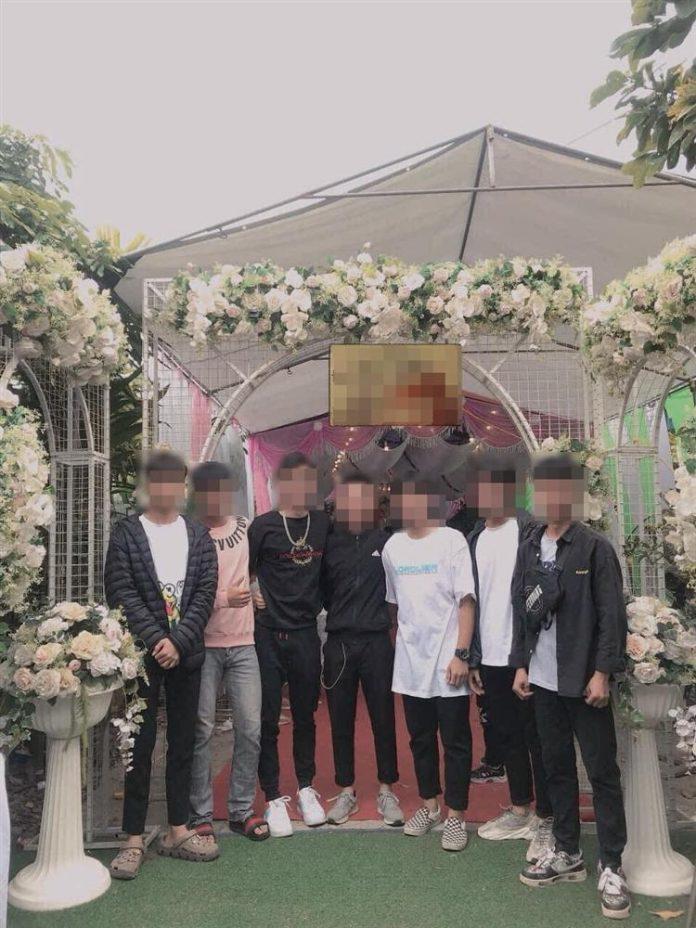 Mời 7 người yêu cũ đi ăn cưới, cô dâu ấm ức cả thanh xuân chỉ đáng giá 200k tiền mừng-1