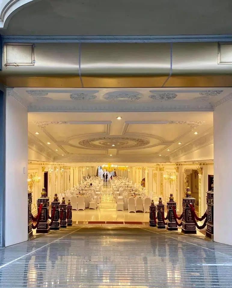 Không gian, thực đơn đám cưới khủng trong lâu đài dát vàng ở Ninh Bình-8