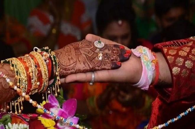 Cô dâu Ấn Độ cưới khách ngay tại hôn lễ vì chú rể bỏ trốn-2