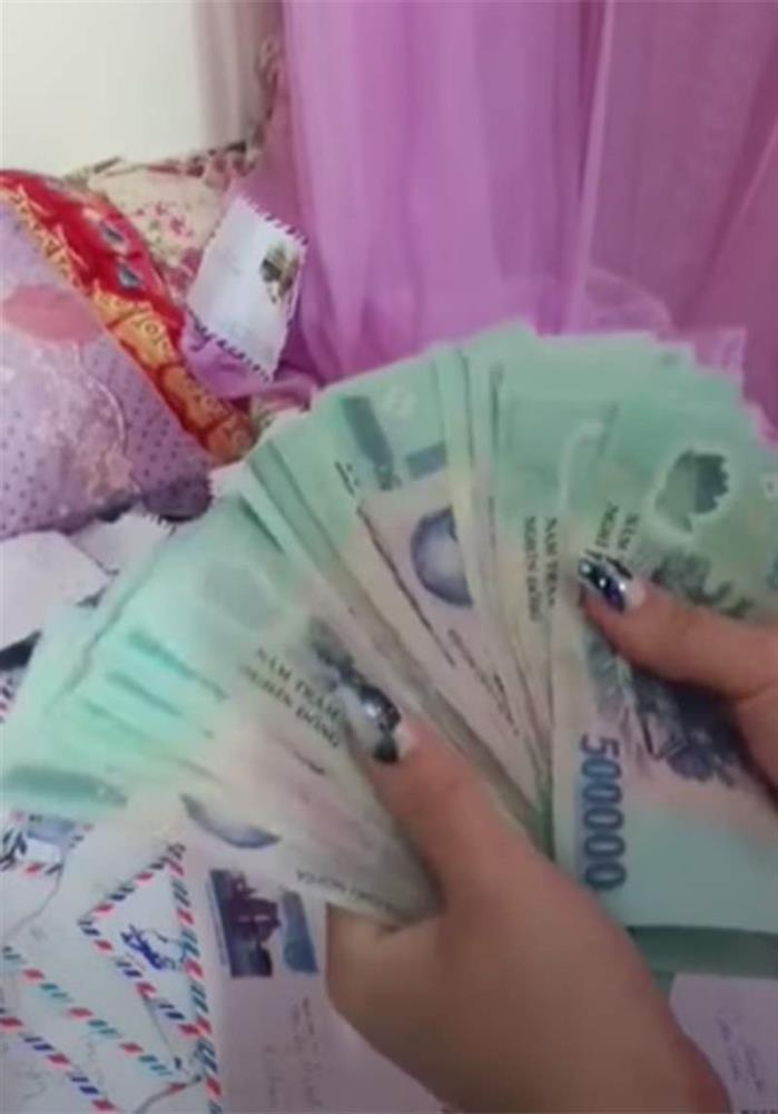 Xôn xao clip cô dâu được người yêu cũ mừng cưới xấp tiền 500k dày cộp-3