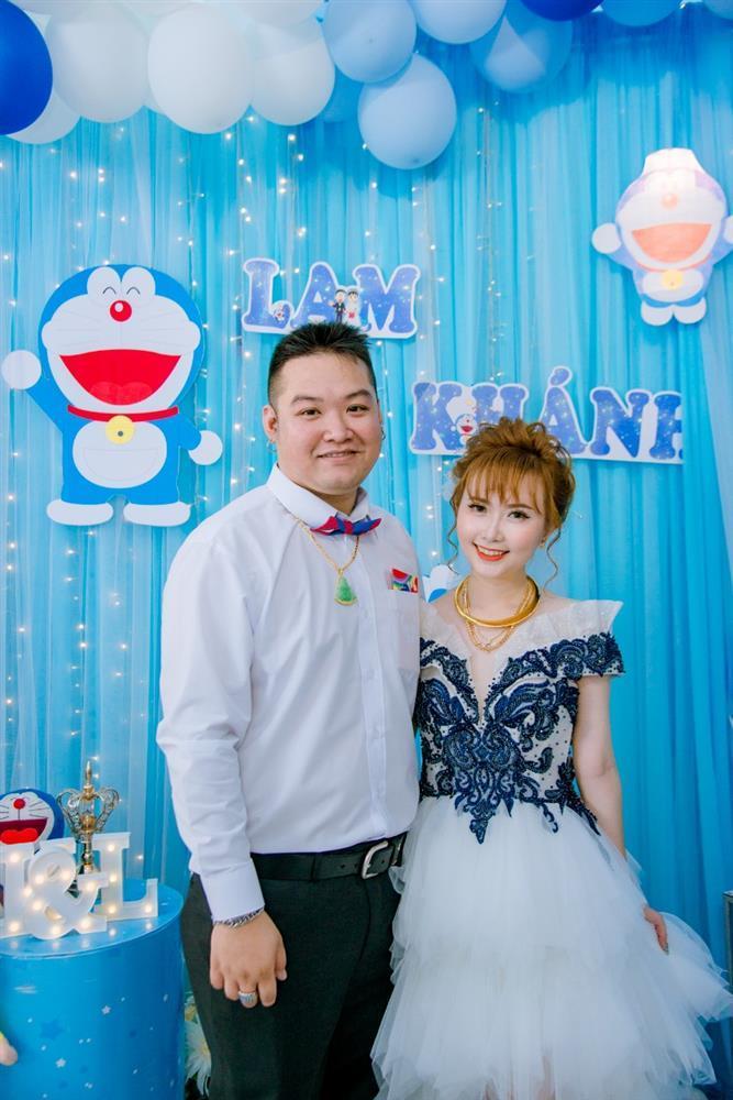 U mê Doraemon, cô dâu 9x được mẹ chồng tặng nguyên bộ trang sức hình mèo máy-2