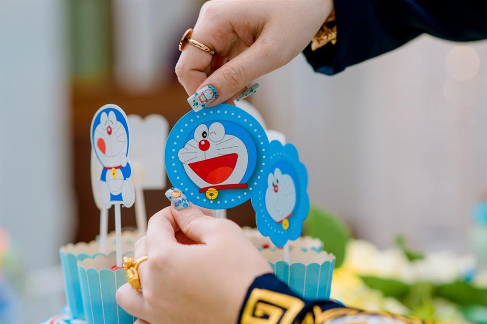 U mê Doraemon, cô dâu 9x được mẹ chồng tặng nguyên bộ trang sức hình mèo máy-10